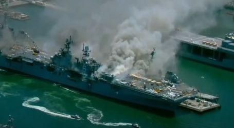 Πυρκαγιά σε πολεμικό πλοίο, σε βάση στο Σαν Ντιέγκο