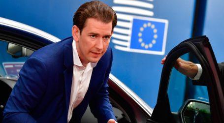 """""""Τα πράγματα εξελίσσονται σε μία δίκαιη κατεύθυνση"""" δηλώνει o καγκελάριος της Αυστρίας"""