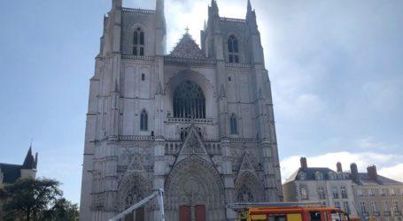 Ελεύθερος αφέθηκε ο άνδρας που είχε τεθεί υπό κράτηση μετά την πυρκαγιά στον ναό της Νάντης