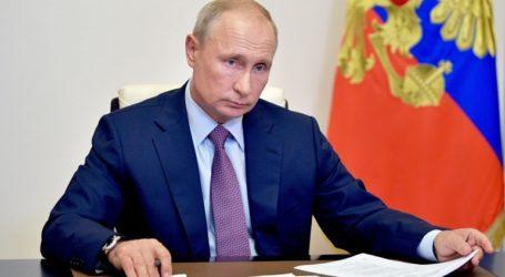 Ο Πούτιν προς το παρόν δεν έχει κάνει το εμβόλιο του κορωνοϊού