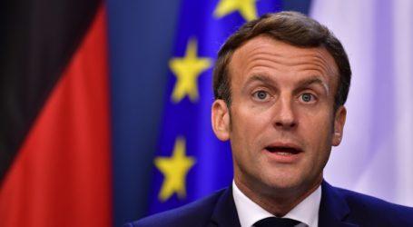 Ο Μακρόν χαιρετίζει «τη σημαντικότερη στιγμή από τη δημιουργία του ευρώ»