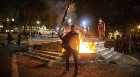 Κατηγορίες απαγγέλθηκαν εναντίον 18 διαδηλωτών στο Πόρτλαντ