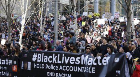 Νύκτα έντασης στο Σιάτλ και στο Πορτλαντ για την αστυνομική βία