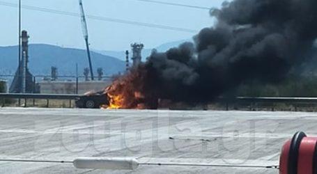 Φωτιά σε αυτοκίνητο στα διόδια της Ελευσίνας