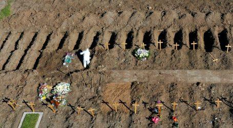 Πάνω από 3.000 οι νεκροί και 165.000 τα κρούσματα