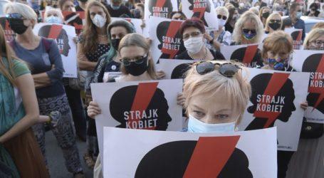 Η Πολωνία θα αντιμετωπίσει «συνέπειες» αν αποσυρθεί από τη Σύμβαση της Κωνσταντινούπολης