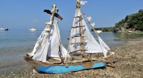 «Ξύλινος στόλος καραβιών» στην Άφησσο [εικόνες]