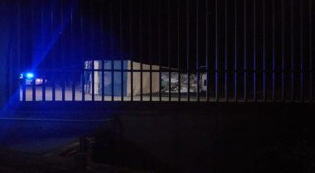 Δείτε φωτογραφίες: Νταλαπάρισε νταλίκα έξω από τη Λάρισα – Στο νοσοκομείο ο οδηγός