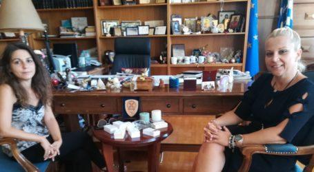 Βόλος: Προβλήματα της Δομής Φιλοξενίας μεταναστών μετέφερε η διοικήτρια στην Δωροθέα Κολυνδρίνη
