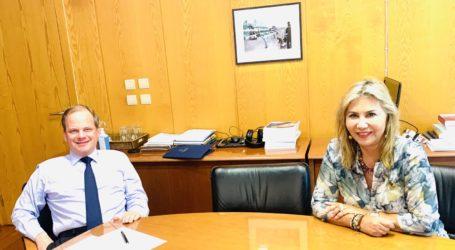 Συνάντηση της Ζέττας Μακρή με τον Υπουργό Υποδομών & Μεταφορών Κ. Αχ. Καραμανλή