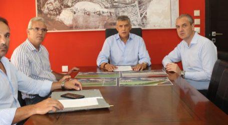 O Κώστας Αγοραστός παρουσίασε τη μελέτη για το γήπεδο της Ελασσόνας:Νέο στέγαστρο, χλοοτάπητα, περίφραξη και αρδευτικό σύστημα – Φωτό μελέτης