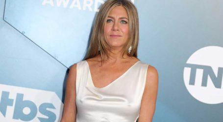 #wearadamnmask: Η Jennifer Aniston προτρέπει όλον τον κόσμο να φοράει μάσκα!