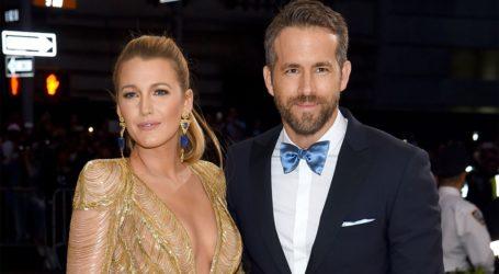 O Ryan Reynolds τρολάρει την Blake Lively για το ενδεχόμενο ενός τέταρτου παιδιού