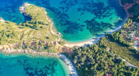 Οι 20 τοπ παραλίες στις Σποράδες – Εκεί που τα πεύκα ακουμπούν τα διάφανα νερά [εικόνες]