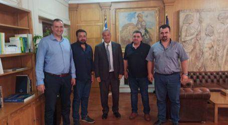 Συνάντηση Ομοσπονδίας Κτηνοτρόφων Θεσσαλίας με τον Υπουργό Μ.Βορίδη – Επί τάπητος αποζημιώσεις, σχέδια βόσκησης, εγκατάσταση φωτοβολταικών σε λιβάδια