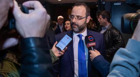 Κ. Μαραβέγιας: Ο «ρούκι» που ήρθε για να μείνει – Ένας χρόνος στη Βουλή