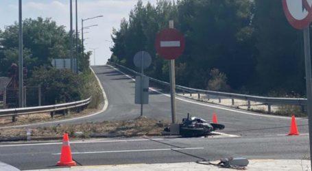 Λάρισα: Τροχαίο στην οδό Βόλου με ένα τραυματία – Συγκρούστηκαν αυτοκίνητο με μηχανή (φωτο)