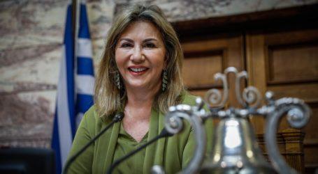 Η Ζέττα Μακρή στηρίζει τις μητέρες του ιδιωτικού τομέα για την αύξηση του αριθμού των θέσεων στους παιδικούς/βρεφικούς σταθμούς