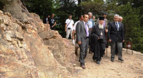 Χαρακόπουλος: Θλίψη και αγανάκτηση για βανδαλισμό στην Παναγία Σουμελά στην Τραπεζούντα