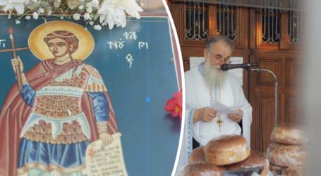 Πλήθος κόσμου στην γιορτή του Αγίου Φανουρίου στο Πήλιο – Δείτε εικόνες