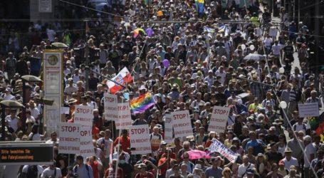Το Βερολίνο καταδικάζει τις διαδηλώσεις κατά των μέτρων αντιμετώπισης της πανδημίας