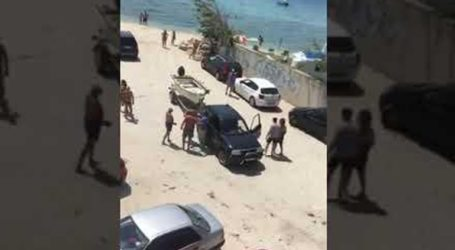 Άγριο ξύλο σε παραλία της Χαλκιδικής για μια βάρκα