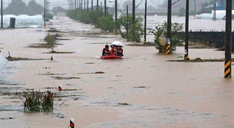 Τουλάχιστον 13 νεκροί και 1.000 εκτοπισμένοι εξαιτίας των πλημμυρών