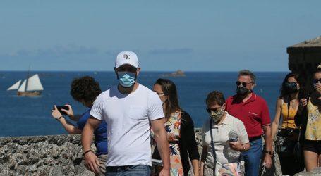 Το Παρίσι θέλει να καταστήσει υποχρεωτική τη χρήση της μάσκας σε ορισμένους εξωτερικούς χώρους