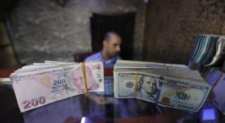 Η λίρα χάνει ξανά το επίπεδο των 7 λιρών/δολάριο