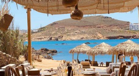 Κλείνει γνωστό beach bar μετά από θετικό κρούσμα Covid-19