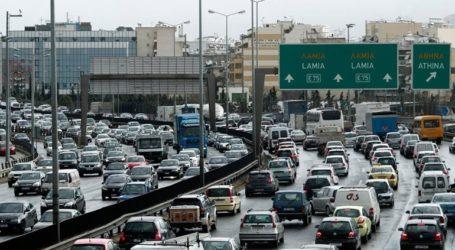 Μποτιλιάρισμα στην Αθηνών-Λαμίας λόγω ανατροπής οχήματος