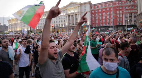 Διαδηλωτές στήνουν μπλόκα στη Σόφια