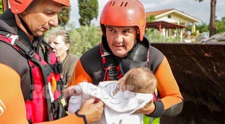 Σε πλήρη εξέλιξη επιχειρήσεις διάσωσης στην Εύβοια