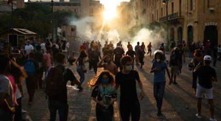 Συνεχίζονται οι συγκρούσεις διαδηλωτών με την Αστυνομία