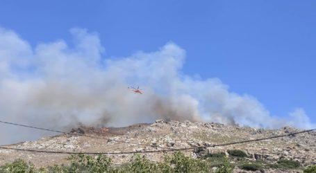 Μεγάλη πυρκαγιά στον Κάνδανο Χανίων – Κάηκαν σπίτια και εκκενώθηκαν οικισμοί