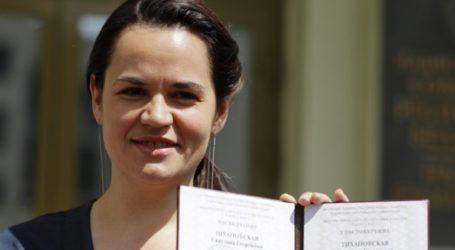 Η ηγέτις της αντιπολίτευσης Σβετλάνα Τιχανόφσκαγια δηλώνει έτοιμη να ηγηθεί του έθνους