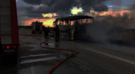 """""""Λαμπάδιασε"""" λεωφορείο του ΚΤΕΛ στην εθνική οδό"""