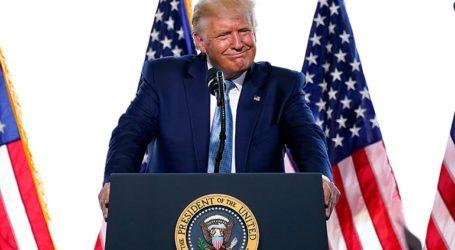 Ο πρόεδρος Ντόναλντ Τραμπ δηλώνει πως ανέβαλε συνομιλίες με την Κίνα για το εμπόριο
