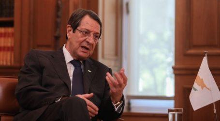 «Η ΕΕ να είναι παρούσα όποτε παραβιάζεται το Διεθνές Δίκαιο και όχι κατ' επιλογήν»