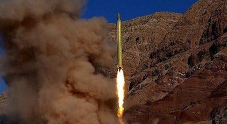Η Τεχεράνη παρουσίασε έναν νέο βαλλιστικό πύραυλο