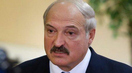 Ο Λουκασένκο απειλεί να κλείσει τα εργοστάσια και να απολύσει όσους απεργούν