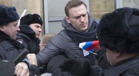 Ο Ναβάλνι βρισκόταν υπό παρακολούθηση από την αστυνομία πριν ασθενήσει