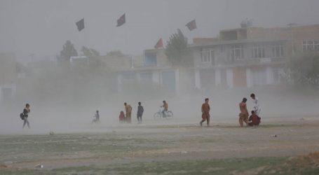 Τουλάχιστον 30 νεκροί από τις πλημμύρες στην πόλη Τσαρικάρ