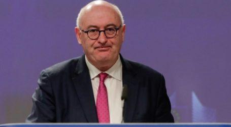 Την παραίτησή του από Επίτροπος Εμπορίου της Ε.Ε. ανακοίνωσε ο Φιλ Χόγκαν