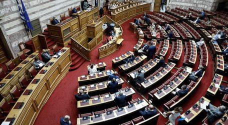 Αρνητικά ήταν τα πρώτα 529 τεστ κορωνοϊού που έγιναν σε βουλευτές και εργαζόμενους στη Βουλή