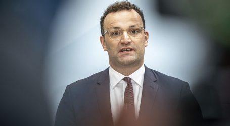 Ο υπουργός Υγείας καλεί τα κρατίδια να ελέγχουν αυστηρότερα τους κανόνες για τον κορωνοϊό