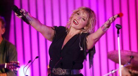 Ελεωνόρα Ζουγανέλη: Την απόλαυσαν στη συναυλία της στου Παπάγου οι γονείς της