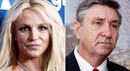Britney Spears: Απευθύνθηκε στη δικαιοσύνη για να απαλλαγεί από τον έλεγχο του πατέρα της