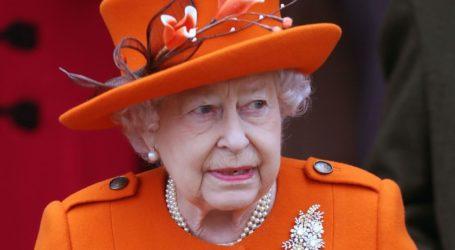 Η βασίλισσα Ελισάβετ δεν θα επιστρέψει στο παλάτι του Buckingham λόγω κορωνοϊού