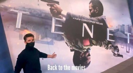 Ο Tom Cruise με μάσκα στην πρεμιέρα της ταινίας Tenet